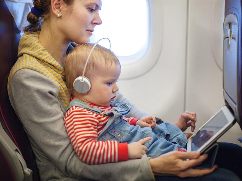 سفر با نوزاد | مسافرت با هواپیما