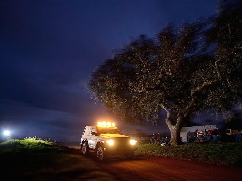 تجهیزات ماشین های آفرود در شب