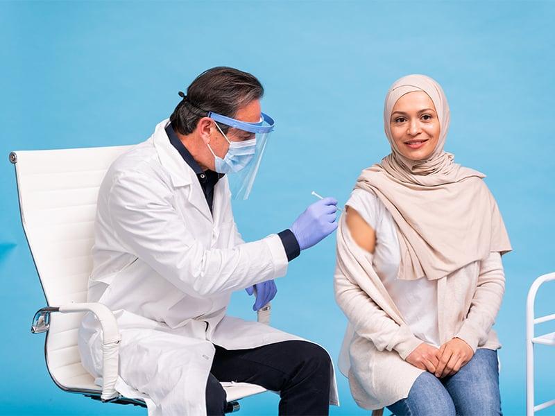تزریق واکسن کرونا در امارات