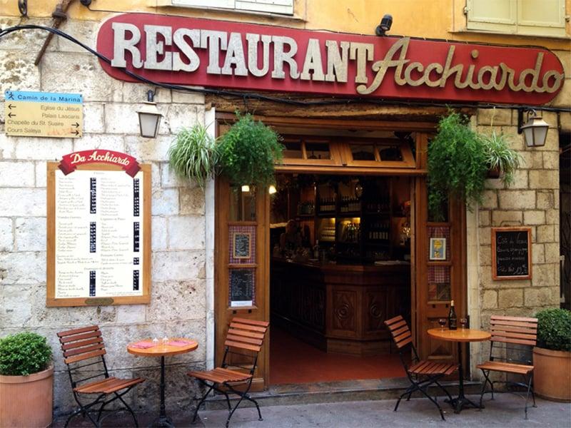 رستوران لاکیاردو
