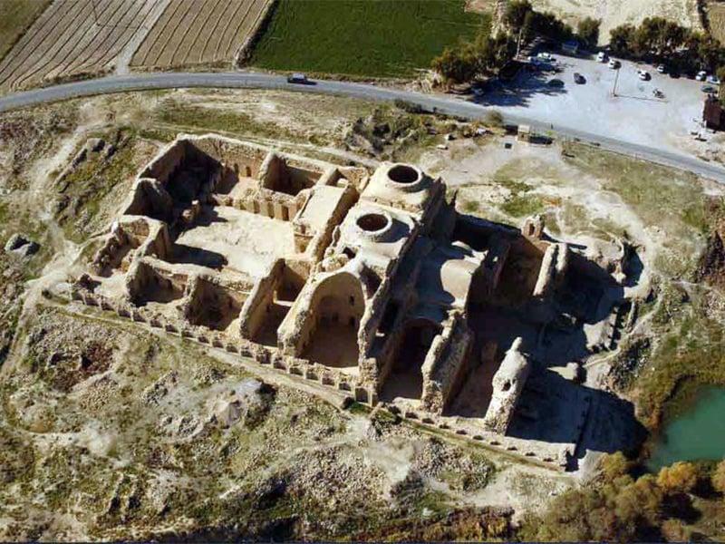 شهر باستانی فیروزآباد